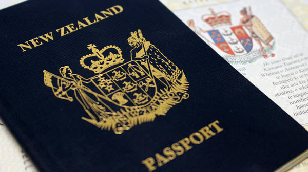 Australia urges New Zealanders without support to return home